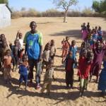 Begruessung in Illeret, Kenia
