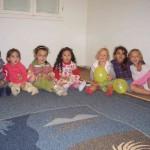 Kinderschar bei Hossen